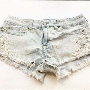 American Eagle l Crotchet Trim Denim Shorts